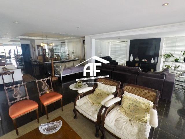 Apartamento com Vista para o mar - 300m² - 3 quartos todos suítes - Ótima localização - Foto 15