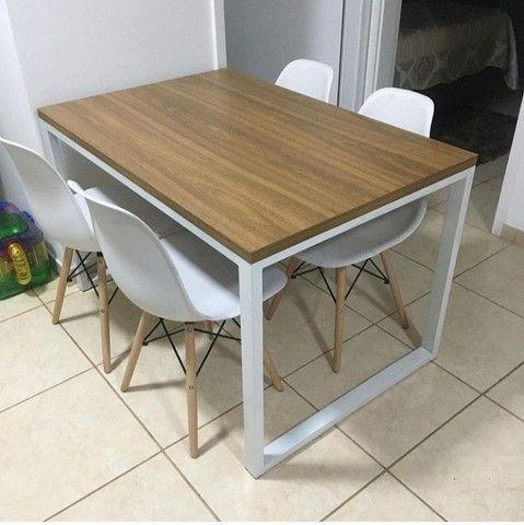 Mesa de Jantar industrial com 4 cadeiras Eiffel  - Foto 2