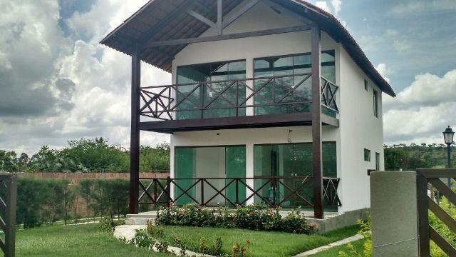 Casa com 4 quartos em condomínio Ref.W320