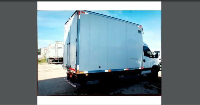 Baú pra carga seca, específico para transporte de eletrônicos