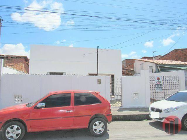 Casa para alugar, 100 m² por R$ 850,00/mês - Bonsucesso - Fortaleza/CE