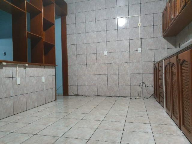Casa semimobiliada - Pq 10 de Novembro - Foto 14