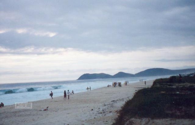 Ótimos terrenos financiados em Condomínio de frente à praia de Jaconé, Saquarema - Foto 8