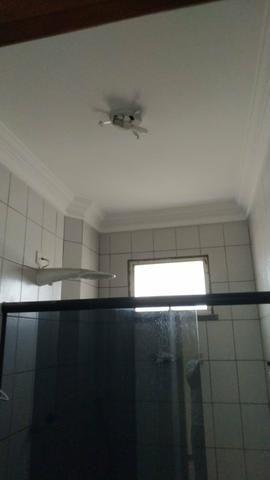 Alugo apartamento em excelente localização - Foto 3