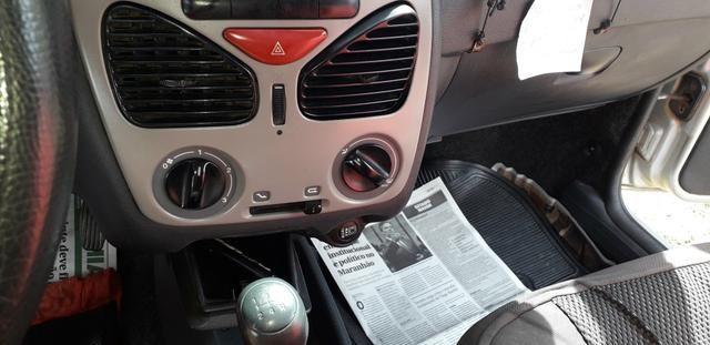 Vendo uma Fiat Strada 2010 1.4 - Foto 6