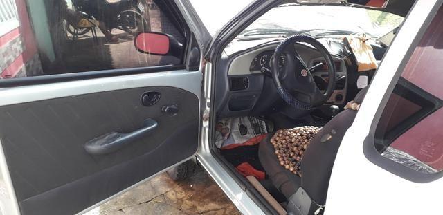 Vendo uma Fiat Strada 2010 1.4 - Foto 2