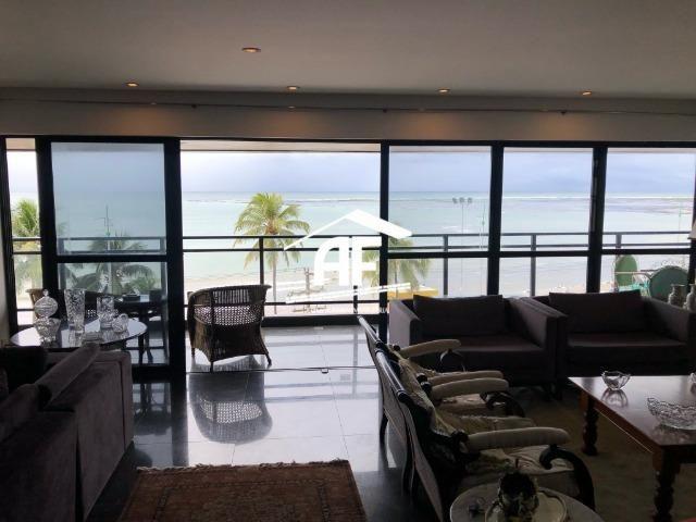 Apartamento com Vista para o mar - 300m² - 3 quartos todos suítes - Ótima localização