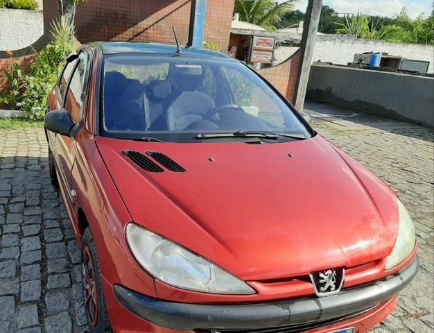 Vende-se carro - pegeout 206 - 04 portas -r$10.100 - Foto 4