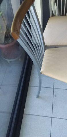 Vendo duas  ou quatro cadeiras de ferro
