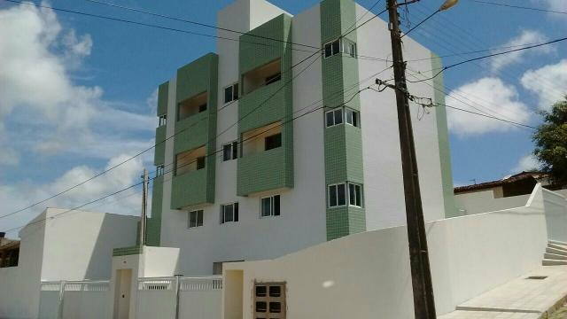 Apartamento em Mangabeira, 2qts, Varanda( 140 mil)