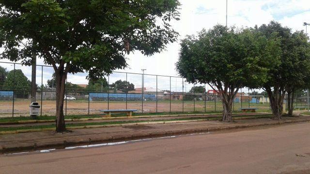 Casa apta a financiamento em frente ao Poli esportivo