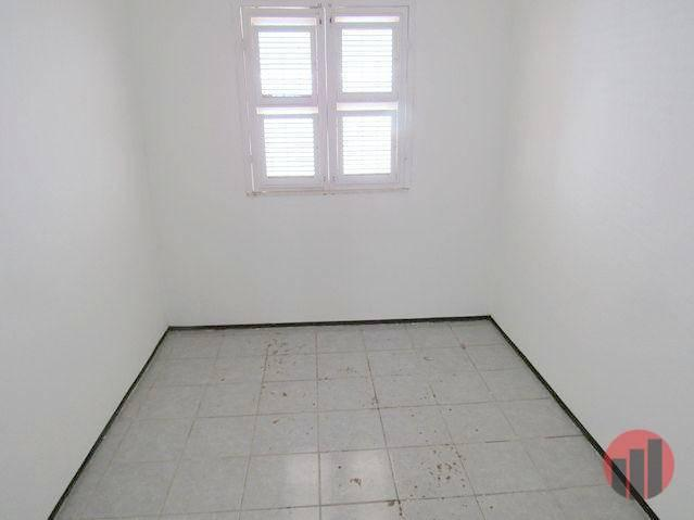 Casa para alugar, 70 m² por R$ 670,00 - Castelão - Fortaleza/CE - Foto 9