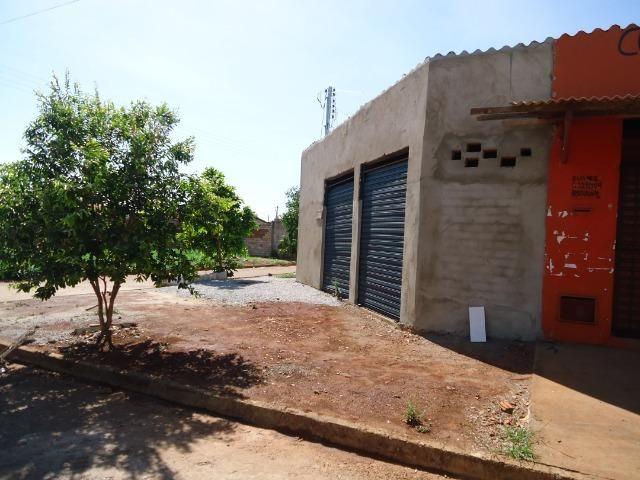 Ponto Comercial de esquina c/ casa de 04 cômodos+áreas (quitada) - Foto 6
