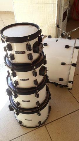 Bateria RMV Crossroad 3 tons com pratos e Rack