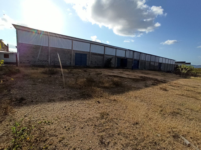 Galpão 600 m² distrito industrial