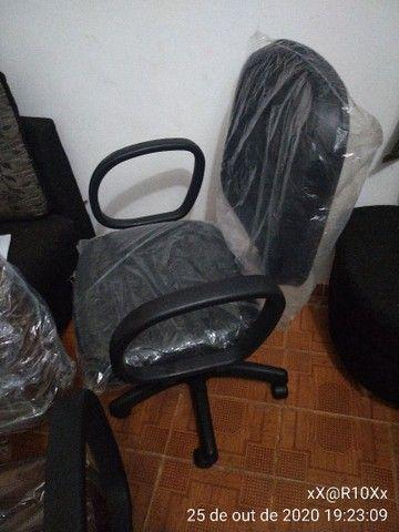 Cadeira diretor com pistão a gás e função RELAX - Foto 2