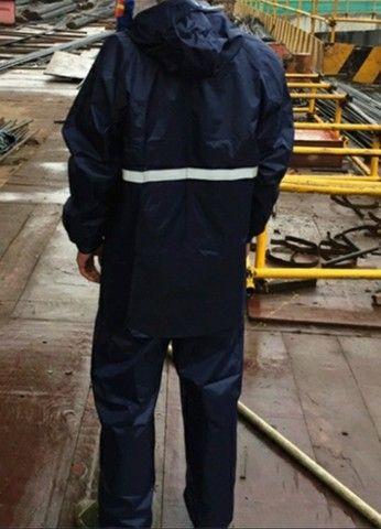 Jaquetas com capul é calça em nylon impermeável  - Foto 2