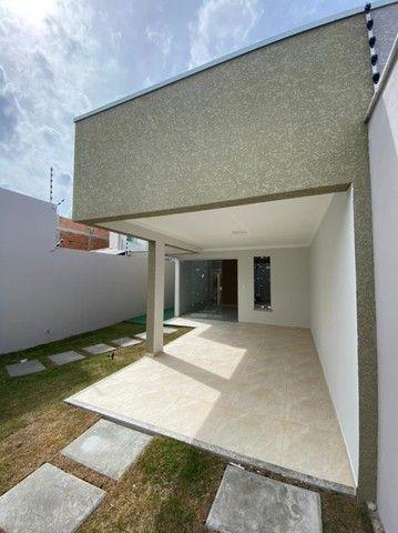 Casa com três quartos e laje  - Foto 2