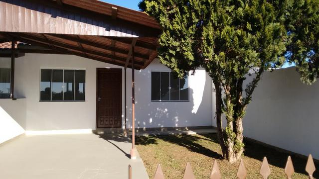 Aluga-se casa em condomínio, 3 quartos, no Butiatuvinha