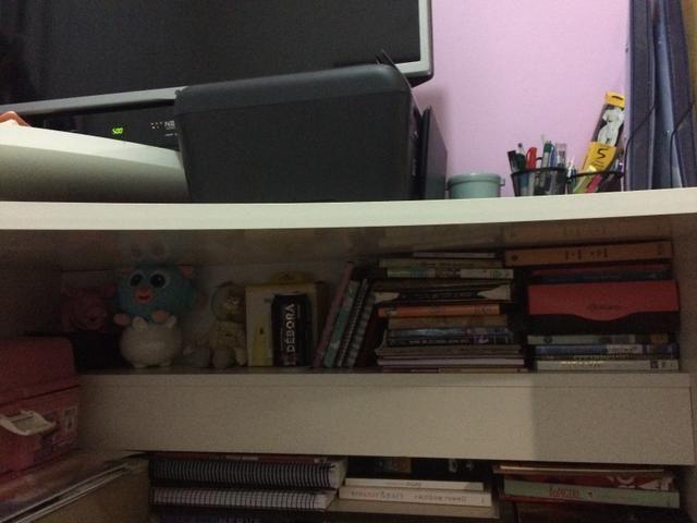 Conjunto cama e escrivaninha