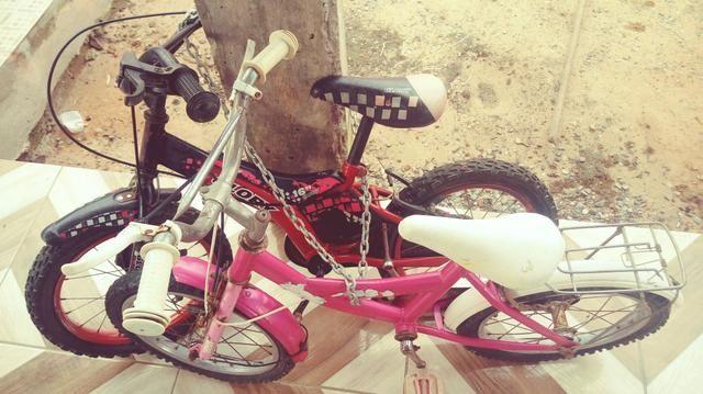 Vendo duas bicicletas para crianças