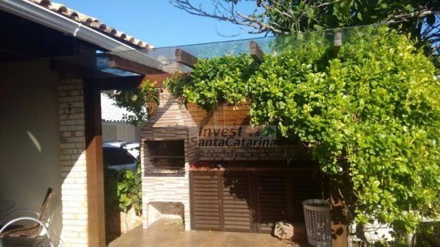 Ótima casa 3 dormitórios, 2 suítes, centro e beira mar!! - Foto 5