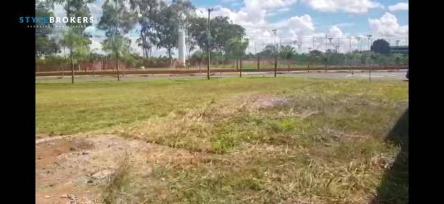 Terreno de esquina no Condomínio Alphaville II  à venda, 693 m² por R$ 525.000 - Bairro Ja