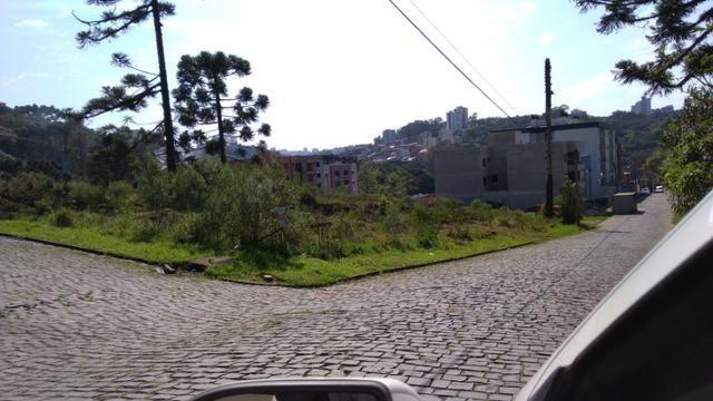 Dois terrenos juntos, de esquina, 360 m2 cada, B. Salgado Filho