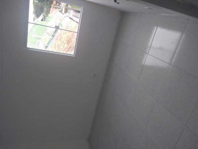 Aluga se apartamento kitnet na região do pinheirinho próximo ao terminal - Foto 16