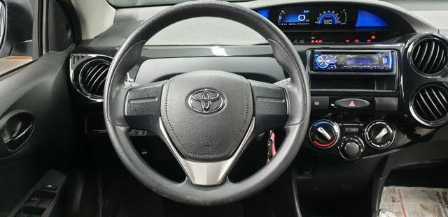 Toyota Etios HB X 2017/2018 - Foto 14