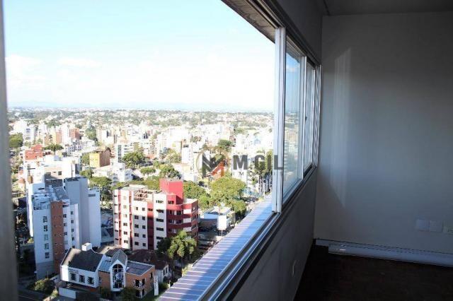 Apartamento amplo, andar alto, com 03 dormitórios, à venda, Alto da Glória - Curitiba.
