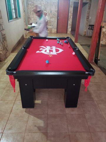 Mesa Charme de Bilhar Cor Preta Tecido Vermelho Logo Flamengo Mod. PTHB4311 - Foto 2