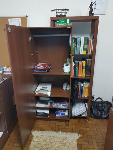 Mesa executiva + bancada + armário c/ prateleria Escritório - Foto 5