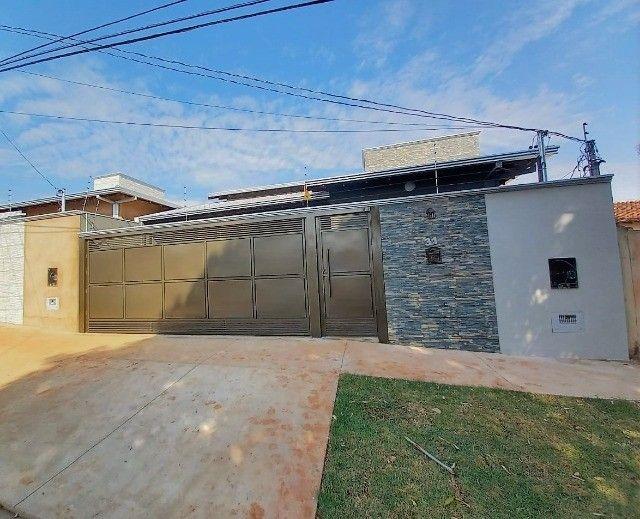 Linda Casa Jardim Montividéu - Foto 2