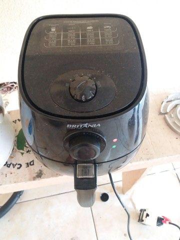 Fritadeira elétrica Britânia 110v - Foto 2