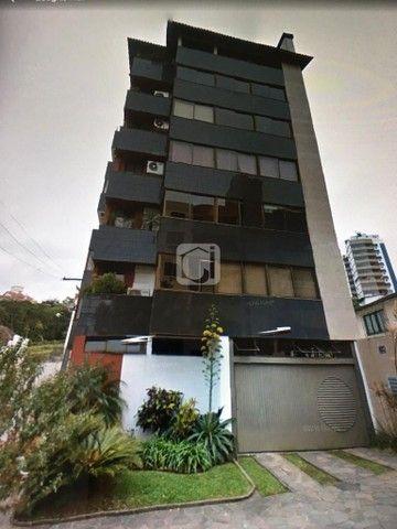 Apartamento de 3 dormitórios, 5 banheiros, 2 vagas de garagem, localizado no Bairro Nossa