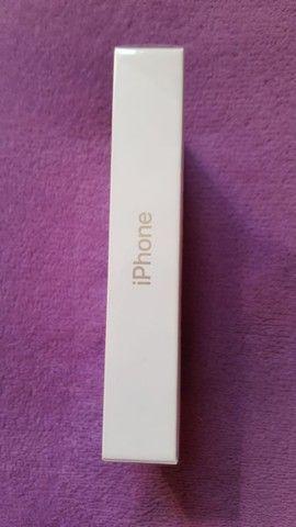iPhone 11 Apple 64GB branco, Tela de 6,1?, Câmera Dupla de 12MP, iOS - Foto 2
