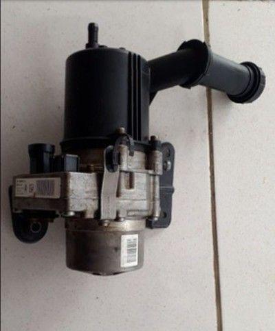 C4 Citroen. Bomba da direção eletro hidráulica