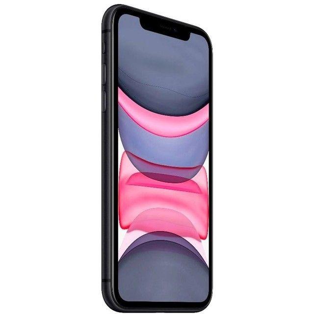 Iphone 11 64GB - Por R$3699 à vista ou em até 12x de R$332,67 - Lacrado e com Nota Fiscal - Foto 2