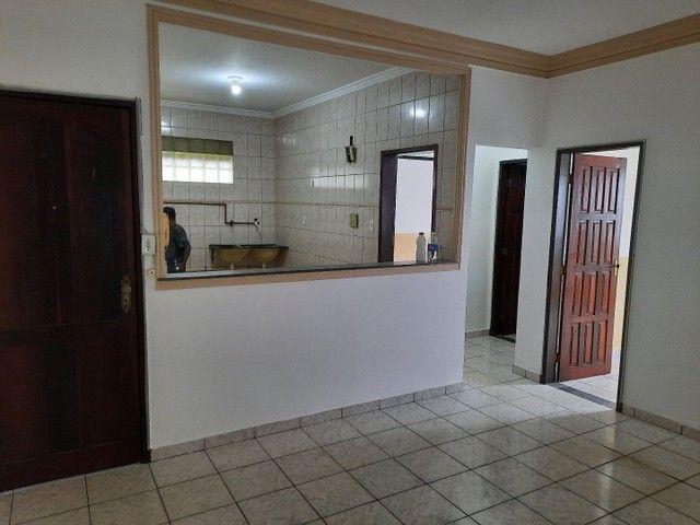 Aluga.se apartamento em Itapuã 2/4 garagem  - Foto 2