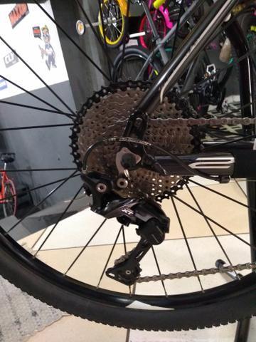 Bicicleta aro 29 Caloi,kit XT suspensão vc a ar - Foto 4