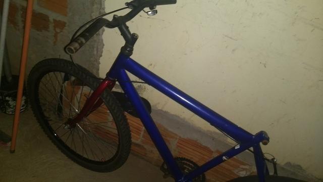 Vendo bicicleta aro 26 - Foto 2