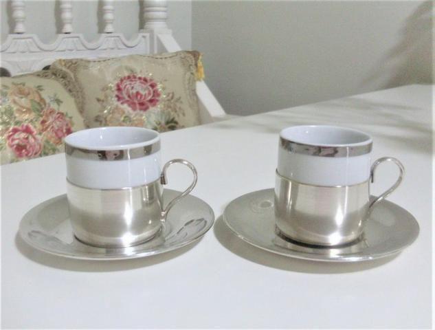 Par de xícaras de porcelana e banho de prata antigas- antique - leia