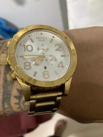 bf64f3b36d Relógio nixon dourado 51-30 - Bijouterias