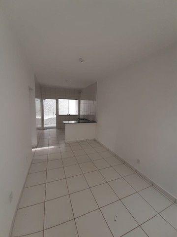 Vende-se Excelente Casa com Área Privativa no Bairro Planalto em Mateus Leme - Foto 8