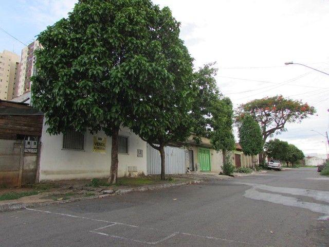 Casa com 4 quartos - Bairro Parque Amazônia em Goiânia - Foto 3