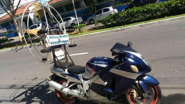 Moto Suzuki Gsx-s para apaixonados por velocidade