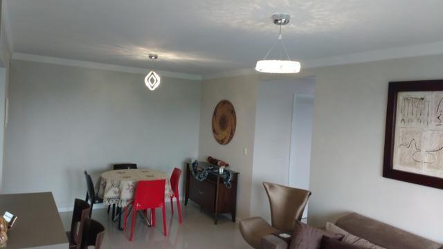 Excelente Apto, ültimo andar, peças amplas, ótimo p/ adequação dos móveis, semi-mobiliado - Foto 9