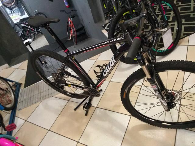 Bicicleta aro 29 Caloi,kit XT suspensão vc a ar - Foto 5