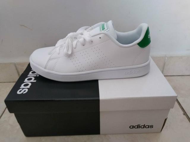 Vendo tênis Adidas número 32/33 - Foto 4